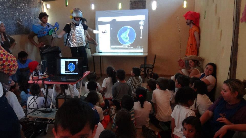 Projeto reuniu a equipe da Tec Triade e da ONG Pupa para apresentação dos Biomas da Terra a crianças de 5 anos da creche Acel de São José dos Campos.