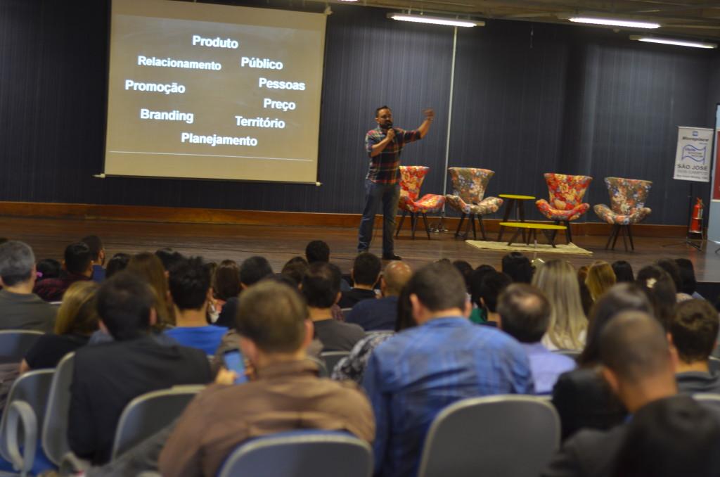 olimpio araujo junior seminario tec triade brasil abradi marketing digital